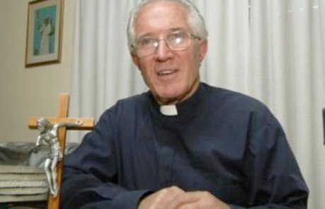El padre Torquatti, responsable del espacio, deberá efectuar las modificaciones o trabajos necesarios para adecuarse a las normas de seguridad vigentes.