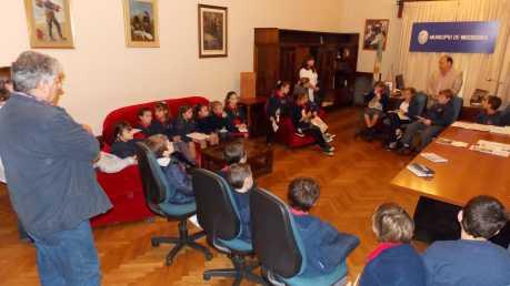 08 05 FOTO visita de alumnos del Pio XII 3